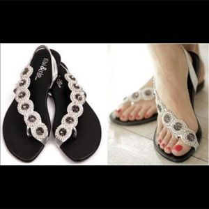 NWT! Fibi & Clo New York Rhinestone Sandals Sz 10